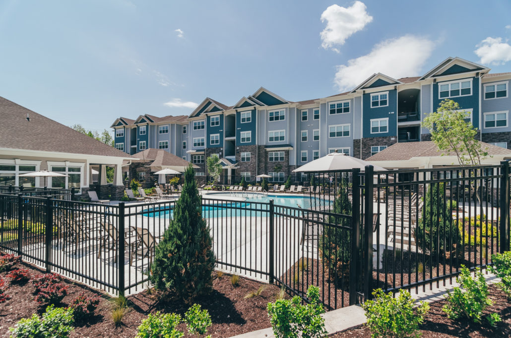 summit nashville west apartments exterior and pool